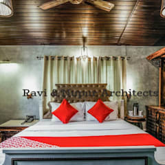 Hotels by RAVI - NUPUR ARCHITECTS, Colonial Wood Wood effect