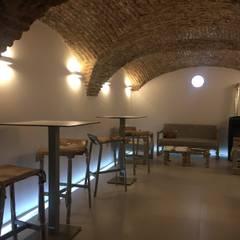 Proyecto Decoración Alojamiento Rural: Salones de eventos de estilo  de Traza Naranja SLU