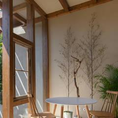Ventanas de estilo  por depA Architects , Mediterráneo