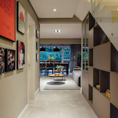 Media room by Carolina Burin Arquitetura Ltda,