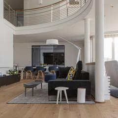 Réaménagement d'un appartement: Salle à manger de style  par Trace & Associes architecture