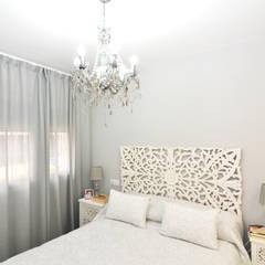 VIVIENDA PYA - PUERTOLLANO, CIUDAD REAL: Dormitorios pequeños de estilo  de MIMESIS INTERIORISMO