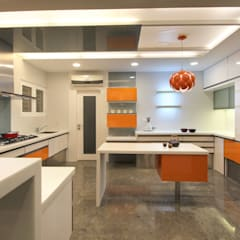 مطبخ ذو قطع مدمجة تنفيذ F.Quad Architecture and Interior Design Studio