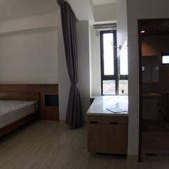 3F臥室-床頭及化妝桌:  浴室 by houseda
