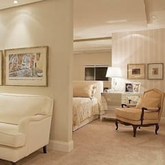 Dormitorios pequeños de estilo  por Anne Báril Arquitetura