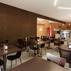 O Barracão | Restaurante Espaços de restauração rústicos por FERREIRARQUITETOS Rústico