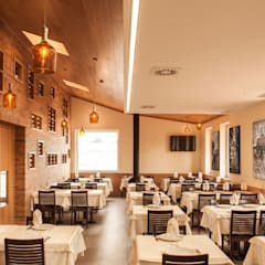 Restaurantes de estilo  por FERREIRARQUITETOS, Rústico