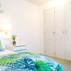 Chalet adosado en Soto de Llanera, Asturias: Dormitorios de estilo  de A Primera Vista
