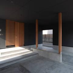 كراج جاهز للتركيب تنفيذ 家山真建築研究室 Makoto Ieyama Architect Office