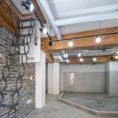 interior & architecture by INARK 대구 달서구 두류동 도담도담 하우스 대구 협소주택 소형주택 상가주택 전원주택 인아크 건축 설계 인테리어 디자인: inark [인아크 건축 설계 디자인]의  서재 & 사무실