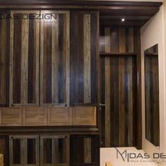 2BHK @ Goregoan (East), Romell Group:  Bedroom by Midas Dezign