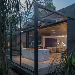 CasaCor Brasília 2018: Jardins de fachadas de casas  por BEP Arquitetos Associados