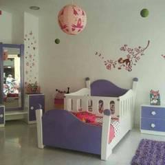JUEGO DE ALCOBA JUVENIL: Habitaciones infantiles de estilo  por MUEBLERIA Y CARPINTERIA MADEYRA