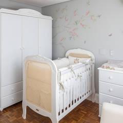 Cuartos para bebés de estilo  por BEP Arquitetos Associados, Clásico