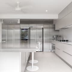 White House:  Kitchen by Original Vision