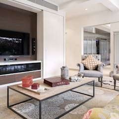 White House:  Living room by Original Vision