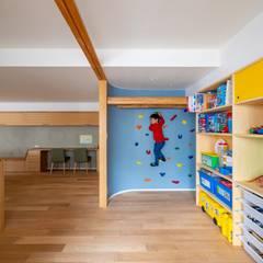 蝶の家 すくすくリノベーション vol.12: 株式会社エキップが手掛けた子供部屋です。,モダン