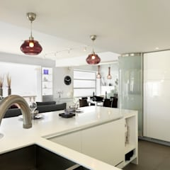 Clearwater Bay House:  Kitchen by Original Vision