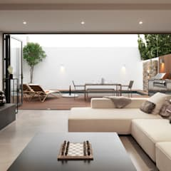 Clearwater Bay Villa:  Living room by Original Vision,