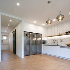 آشپزخانه by 소하  건축사사무소    SoHAA