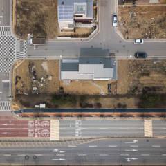 담온가: 소하  건축사사무소    SoHAA의  지붕,모던