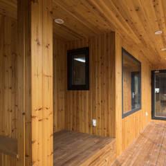 담온가: 소하  건축사사무소    SoHAA의  복도 & 현관
