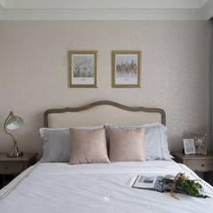 غرف نوم صغيرة تنفيذ 理絲室內設計有限公司 Ris Interior Design Co., Ltd.