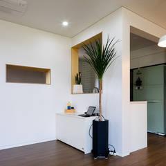 소복소복하우스: 소하  건축사사무소    SoHAA의  거실,북유럽