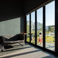 陽台 by 소하  건축사사무소    SoHAA