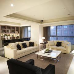 開放式客廳 现代客厅設計點子、靈感 & 圖片 根據 鼎爵室內裝修設計工程有限公司 現代風