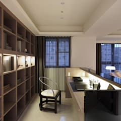 開放式的書房讓人與客廳無隔閡 根據 鼎爵室內裝修設計工程有限公司 現代風
