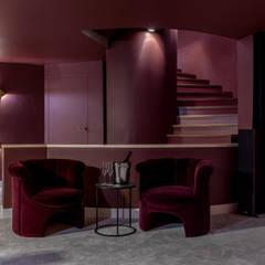 Дом для винодела: Лестницы в . Автор – Atelier Interior,