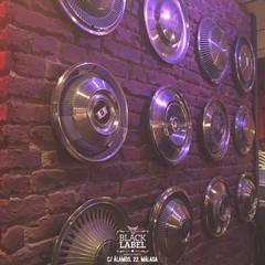 Restaurante BLACK LABEL URBAN GRILL MALAGA: Bares y Clubs de estilo  de DESVAN VINTAGE