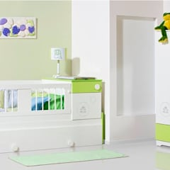 ALCOBA INFANTIL.. EN TONOS PASTELES EN PULEORETANO Y PINO CANADIENSE..: Habitaciones infantiles de estilo  por MUEBLERIA Y CARPINTERIA MADEYRA