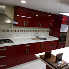 Built-in kitchens by IINGENIO CONSTRUCTORES,