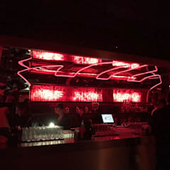 Bars & clubs by IINGENIO CONSTRUCTORES, Industrial