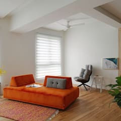 Enjoying solitary:  客廳 by 六相設計 Phase6