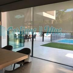 Trabajo Realizado en el Distrito de La Molina: Ventanas de estilo  por Cortinas Y Más Perú