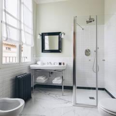 Phòng tắm by studio lenzi e associati