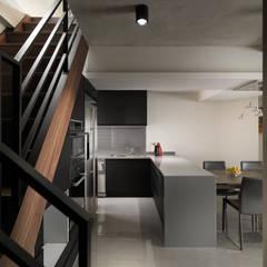 Stairs by 舍子美學設計有限公司