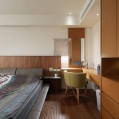 Dormitorios de estilo  por 舍子美學設計有限公司,