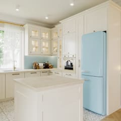 Kuchnia i salon w stylu prowansalskim/klasycznym: styl , w kategorii Kuchnia na wymiar zaprojektowany przez Smart Design Wnętrza,Klasyczny