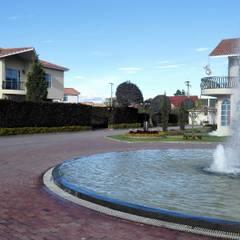 VENTA CASA EN CONDOMINIO GARIGUA CAJICA: Jardines de estilo  por INMOBILIAR Bienes Raíces