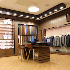 PROYECTOS GALLO ROSA : Centros comerciales de estilo  por Gallo Rosa S.A.S