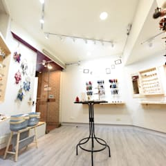 台南市西華南街精品店設計:  商業空間 by 寶佳室內裝修工務所
