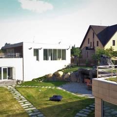 Jardines de estilo  por GREENS архитектурно-ландшафтное бюро, Escandinavo