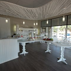 Ruah Flagship:  Shopping Centres by Bun Interior Design, Modern