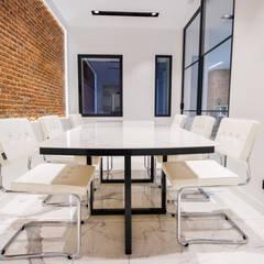 Reforma integral de oficina: Estudios y despachos de estilo  de Fortesdelsol Arquitectura y Construcción SL