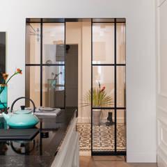 Wohnküche:  Einbauküche von Arzu Kartal Interior Studio & Concepts