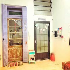 Refacción y Diseño de interiores: Pasillos y recibidores de estilo  por Delgado+Pittaluga